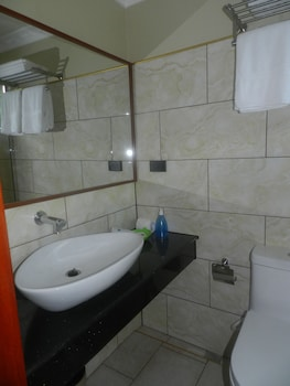 ROMAN EMPIRE PANGLAO BOUTIQUE HOTEL Bathroom Sink