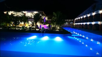 ROMAN EMPIRE PANGLAO BOUTIQUE HOTEL Pool
