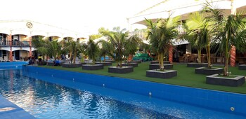 ROMAN EMPIRE PANGLAO BOUTIQUE HOTEL Garden