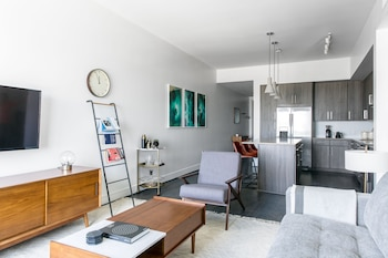 Stylish 1BR1BA in Downtown by Lyric