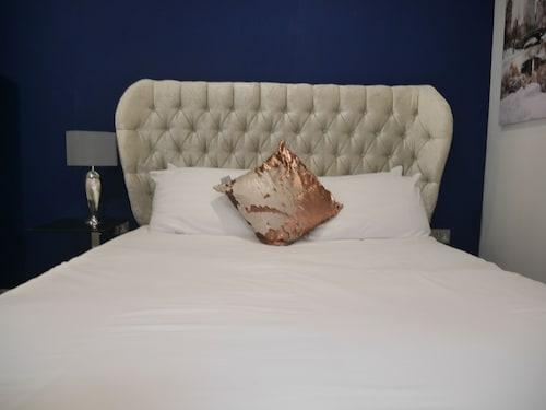 Milburn House  Luxury Apartments, Milton Keynes