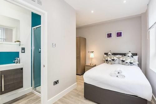 Toynbee Street Ro 2 · Cozy Room Near Whitechapel Gallery, Islington