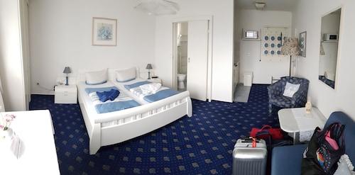 . Hotel-Pension Haus Hubertus
