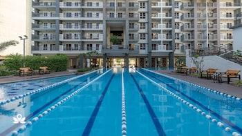 ZEN ROOMS SHERIDAN MANDALUYONG Outdoor Pool