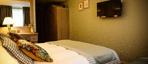 Avalon House Hotel,