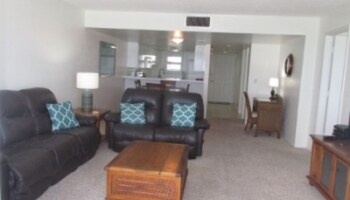 1003 Shores Club - 2 Bedroom 2 Bath 10th Floor with Gorgeous Ocean Vie
