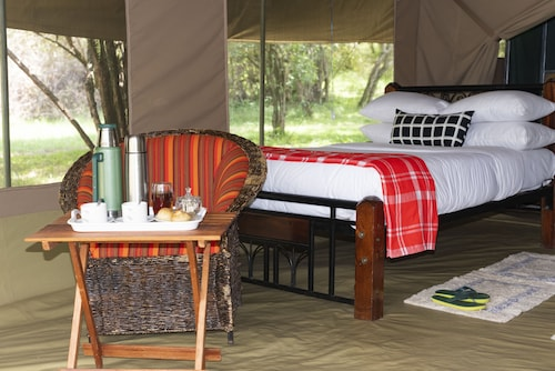 Jackleberry Safaris, Narok West