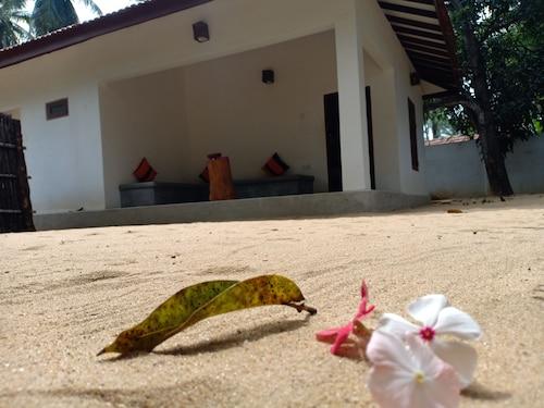 Sunset Safari & Resort, Kalpitiya