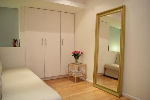Elegant 2 Bedroom Maisonette Near Camden, London