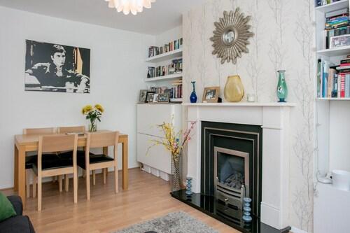 Close To Highbury And Islington 1 Bedroom Flat, Islington
