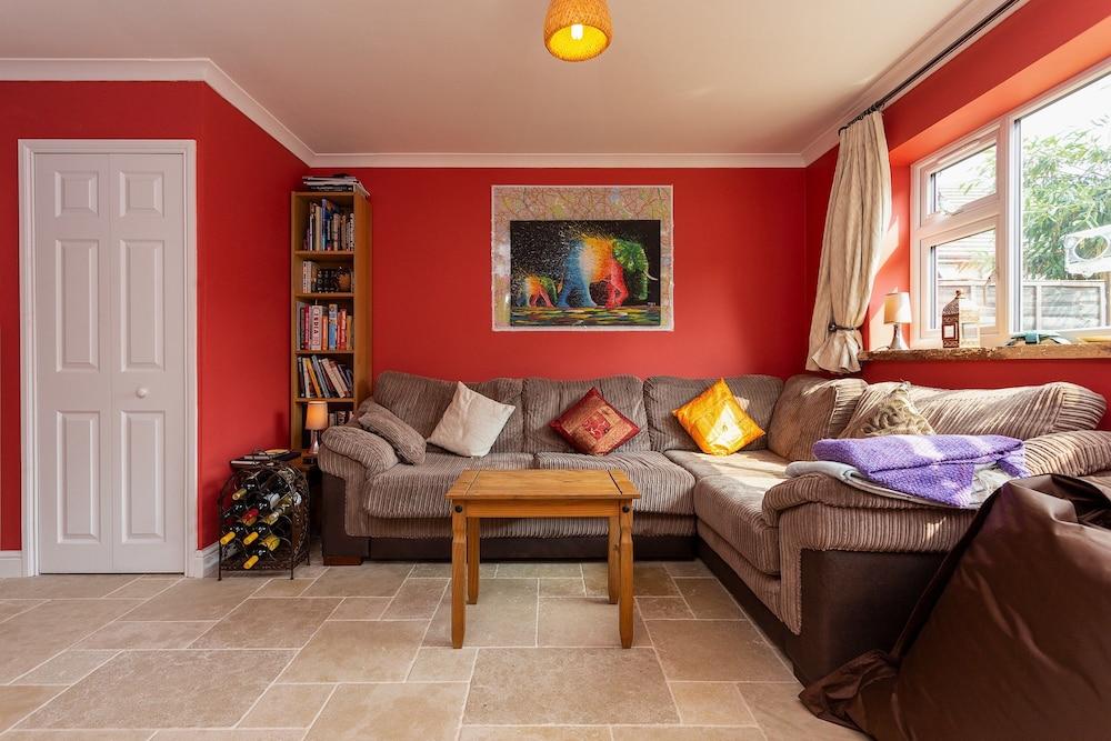 Spacious 3 Bedroom House With Garden in Bermondsey