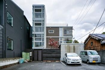 HANARE KYOTO GOJO HIGASHIYAMA RESIDENTIAL SUITE Exterior