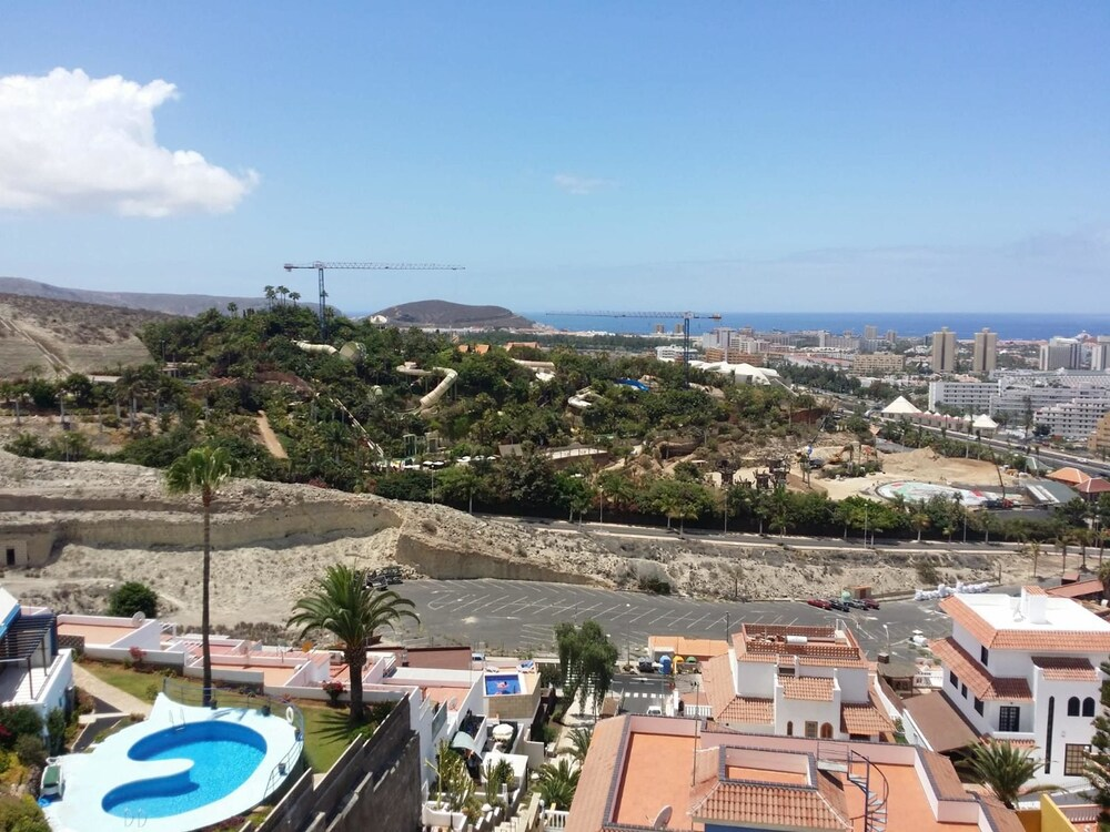 Studio in Costa Adeje, With Wonderful sea View and Wifi - 700 m From the Beach