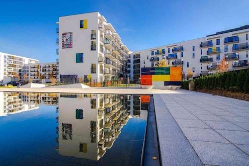 . ClickTheFlat Artistic Estate Apartment
