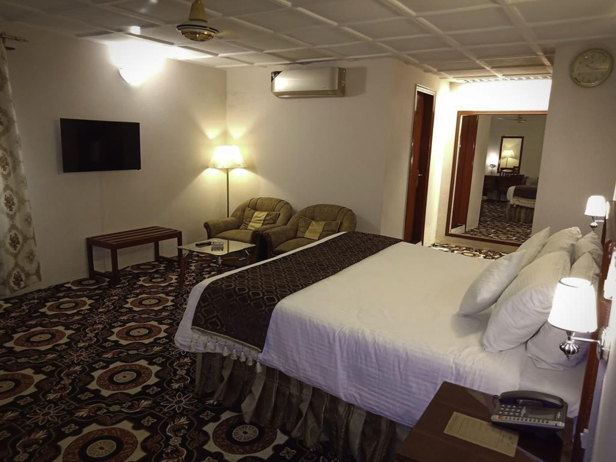 Hotel Indus, Hyderabad
