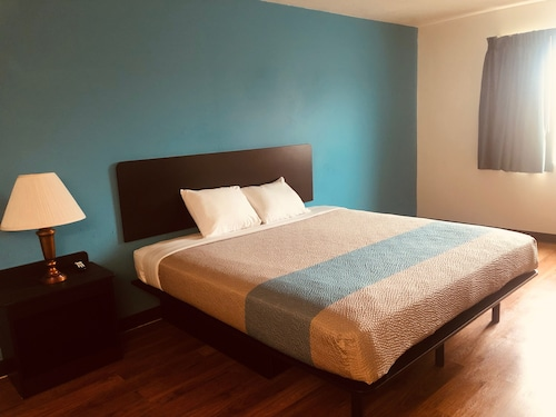. Troy Inn and Suites