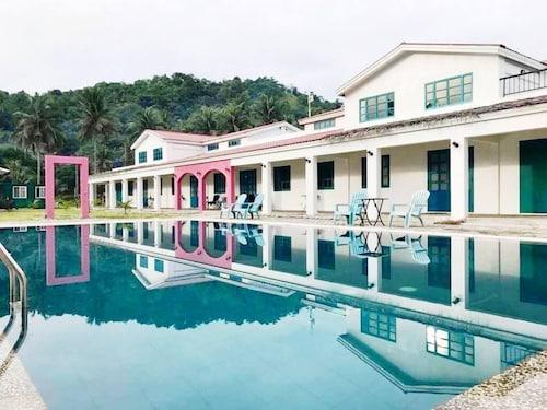 . Lazuli Resort