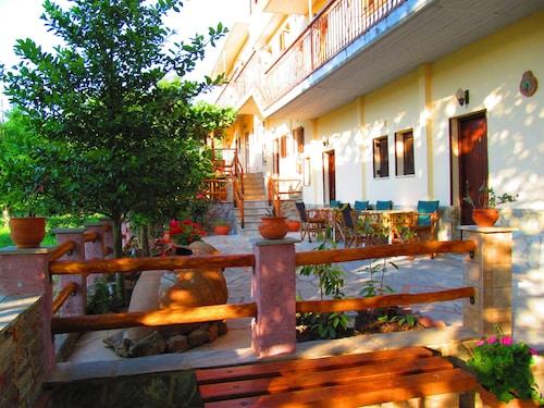 Pandora Studios, Thessaly