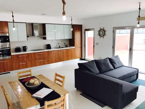 BEST HOUSES 20 - LOVELY&NEW BEACH APT, Peniche