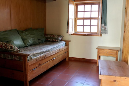 Apartment With one Bedroom in Seia, With Furnished Terrace and Wifi -, Seia