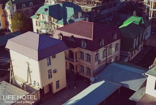 . Life Hotel