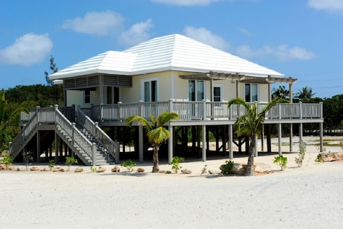 . Sand Dollar Cottage by Eleuthera Vacation Rentals