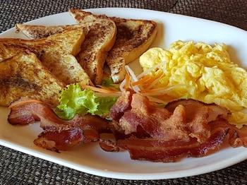 LUXOR RESORT AND RESTAURANT Breakfast Meal