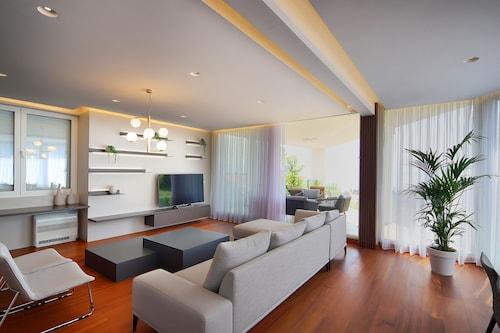 Premium Penthouse with Swimming Pool, Opatija/Veprinac