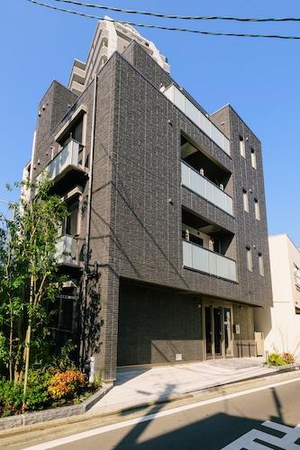 . GRAND BASE Hakata Haruyoshi
