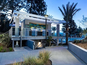 Global Luxury Suites at Universal City