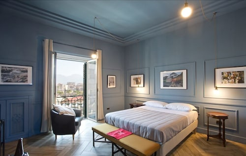 . Stylish Apartment in the center of Naples