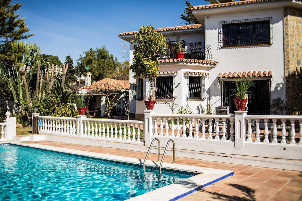 Villa Mare Bed & Breakfast
