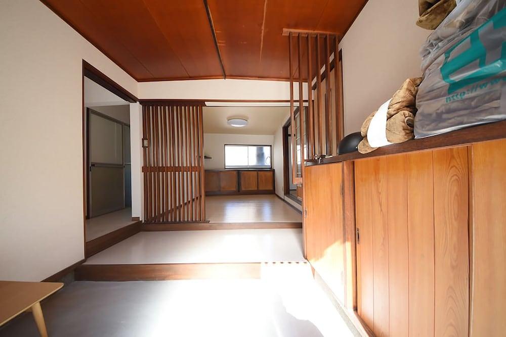 Tarbo's House Nishikitsuji : 無料駐車場付き、ペット可能 image