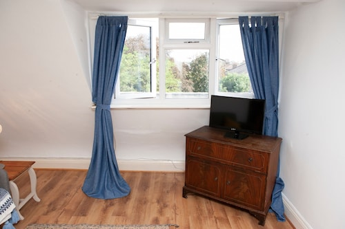 1 Bedroom Apartment in Clifton Bristol, Bristol