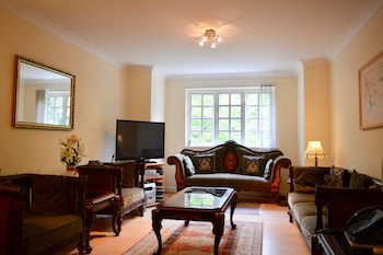 . 2 Bedroom Apartment Near City Centre