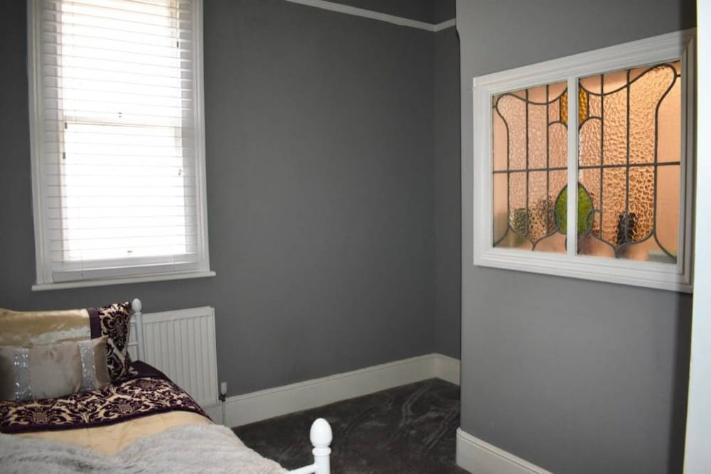 2 Bedroom Apartment Near Seafront in Brighton