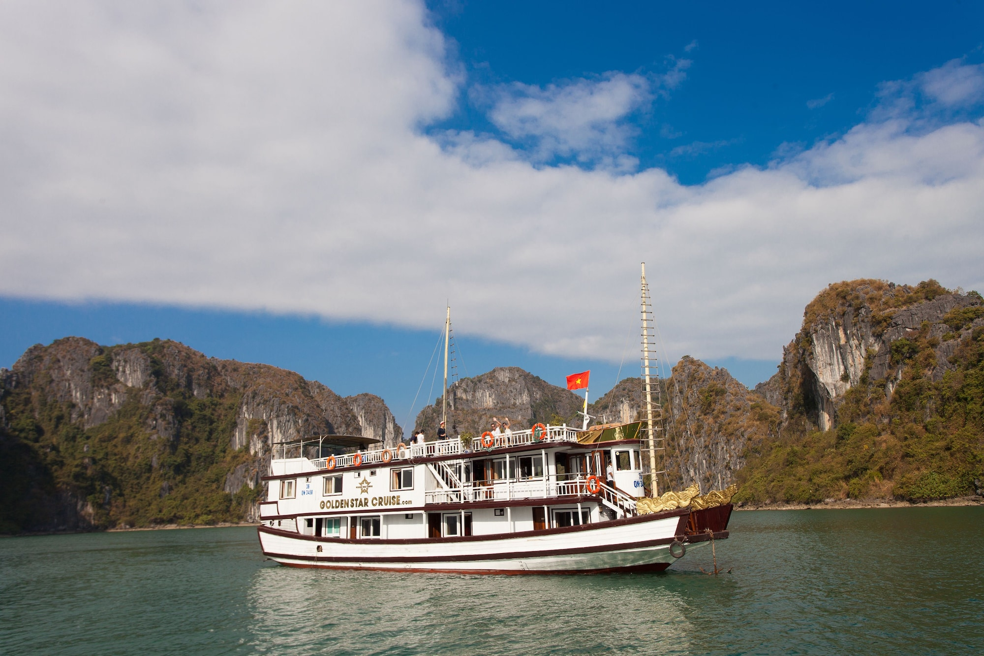 Golden Star Cruise, Hạ Long