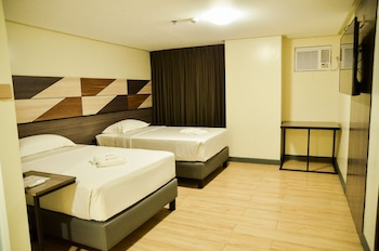 TRAVELITE HOTEL LEGARDA Room