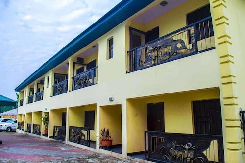 . Keves Inn and Suites