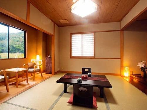 Japanese-style hotel Yuuhigaura, Kyōtango