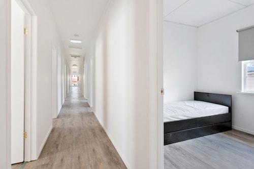 Boribista Accommodation, West End