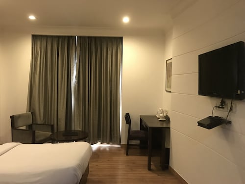 Hotel Orchid, Faridabad