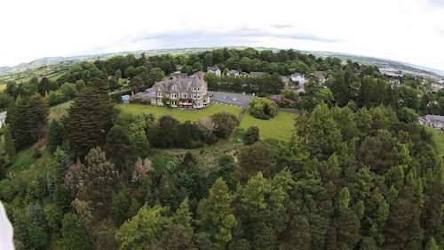 . Enniskeen Country House Hotel