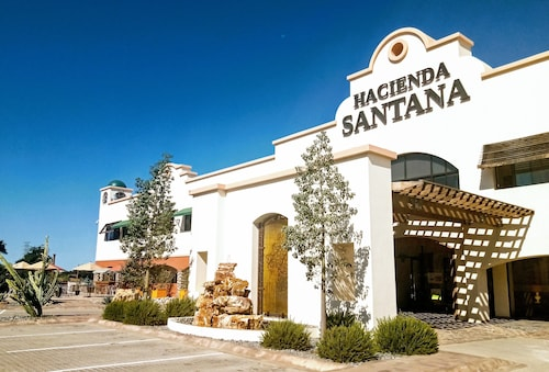 . Hotel Hacienda Santana