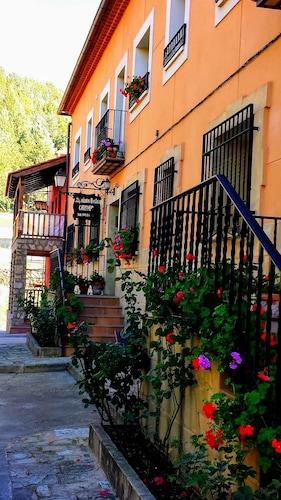 . Alojamientos Carmen