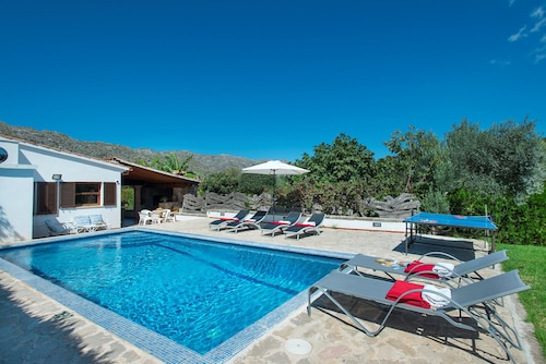 Villa March, Baleares