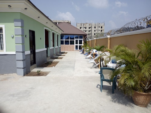 SkyRose Hotel, Owerri Municipal