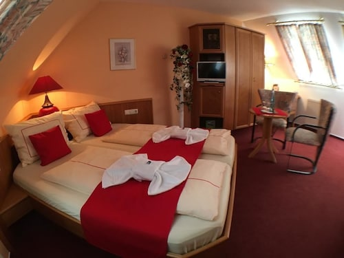 __{offers.Best_flights}__ Ambiente Hotel Strehla