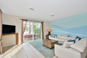 Affinity Santa Barbara - New Gated Townhome, Pool, Hot Tub