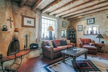 Cowboy Retreat - Three Bedroom Home with Hot Tub